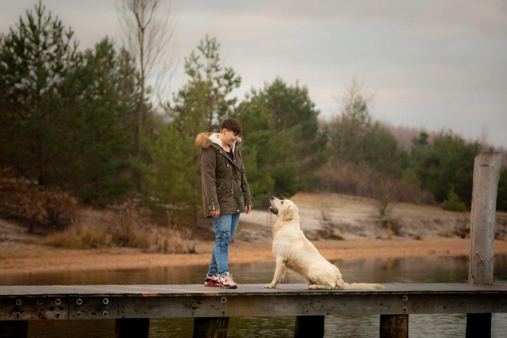 Hundeglück Hund mit Besitzerin